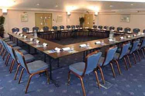 chilworth-manor-meeting-space-02-83920