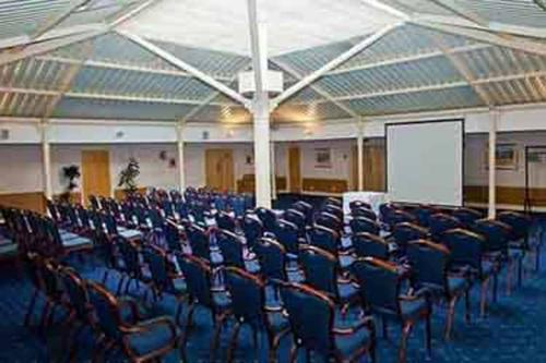 chilworth-manor-meeting-space-15-83920
