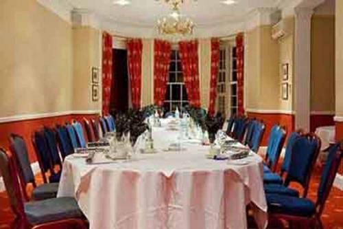 chilworth-manor-meeting-space-18-83920
