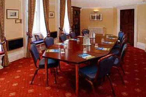 chilworth-manor-meeting-space-29-83920